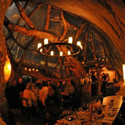 La Cueva - Circuito noturno e jantar